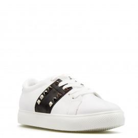 Λευκά Sneakers με Μαύρη Λεπτομέρεια και Τρουκς