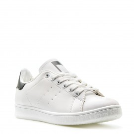 Λευκά Sneakers με Μαύρες Λεπτομέρειες