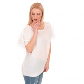 Λευκή Μπλούζα με Δαντέλα στο Μανίκι